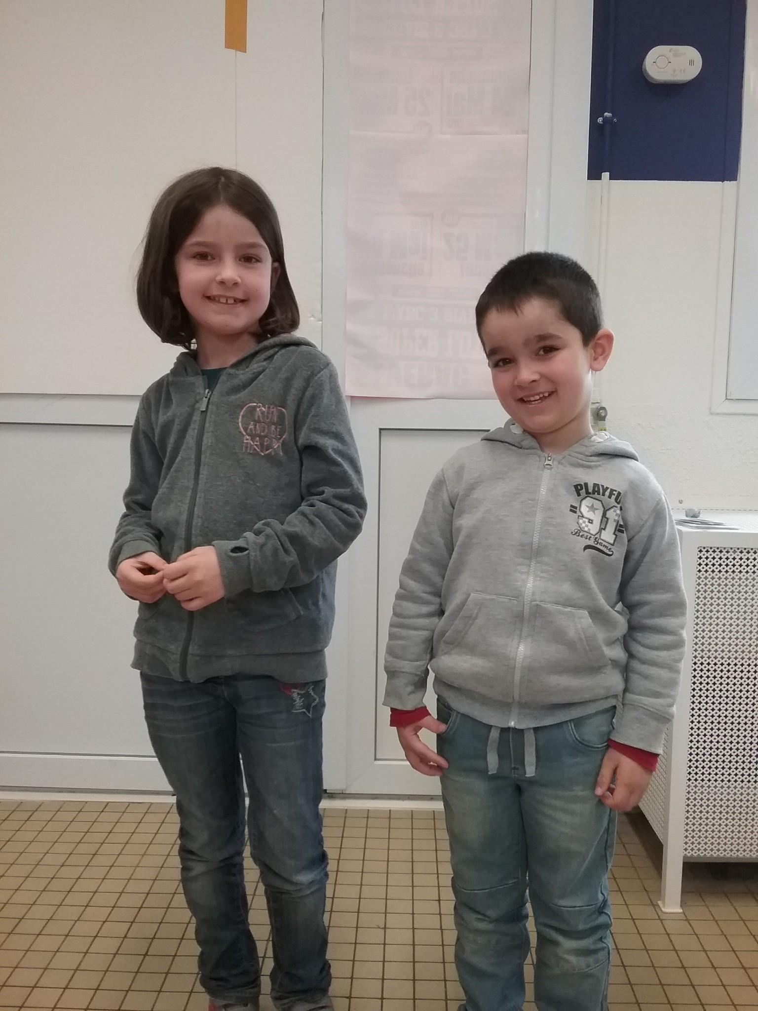 Nous avons dit au revoir à Manon et Hugo qui changent d'école après les vacances. N'oubliez pas de nous donner de vos nouvelles !!